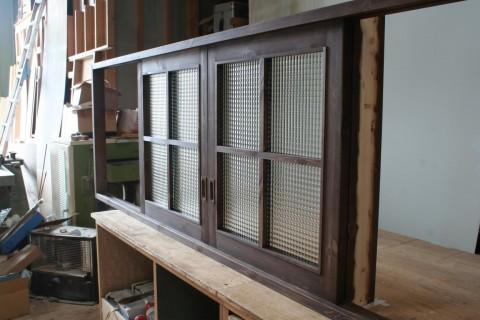 チェッカーガラス室内窓(引き戸タイプ)