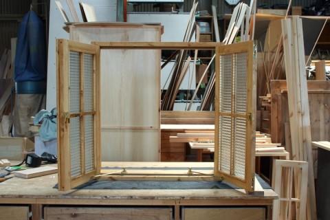 観音開き室内窓(開放時)