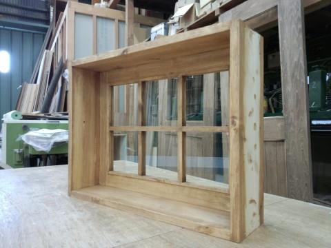 枠付きFIX窓・内側(透明ガラス、格子付き)