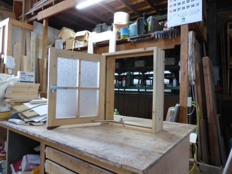 片開き室内窓(外側)