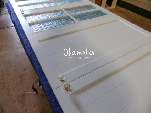 キッチン扉(フラットライン白色塗りつぶし)