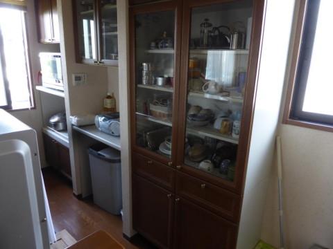 キッチンカップボード扉交換前(下部)