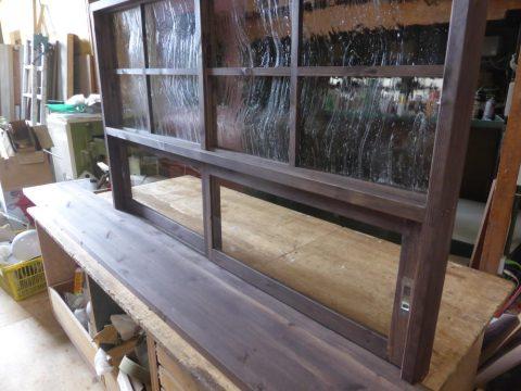 キッチン対面カウンター+窓=造作窓(正面)