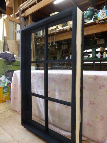 室内窓(FIX窓)つや消し黒色塗りつぶし仕上げ