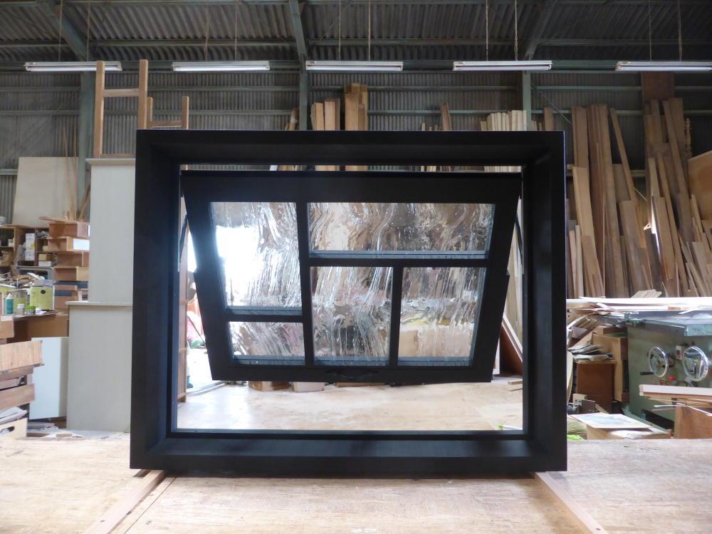 室内窓(滑り出し)