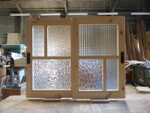 室内窓・引き戸(パッチワークガラス・変形格子)
