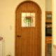 アーチ型の開口にドアの取り付けを (静岡県H邸)