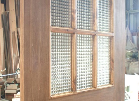 井桁格子のチェッカーガラスドア(お饅頭型ドアノブ付き)