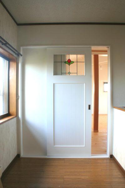 ステンドグラス引き戸(白色塗りつぶし)