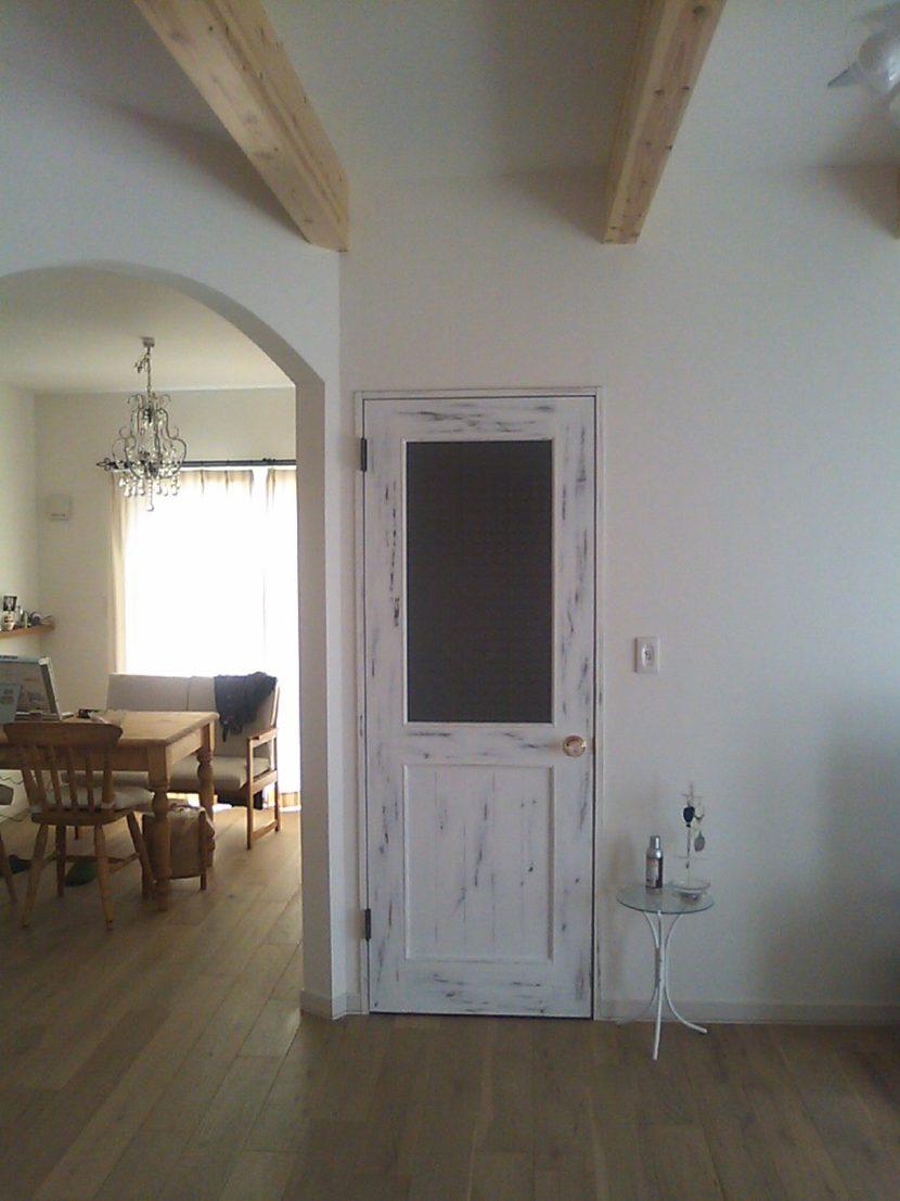 アンティーク調ドア