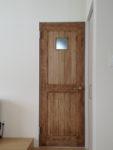 小窓(明り取り)付きの室内ドア