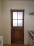 チェッカーガラスの室内ドア(引き戸)