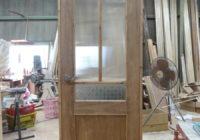 エの字格子のリビングドア