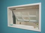 室内窓・オフホワイトのパッチワークガラス窓/okamoku