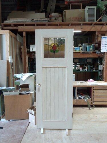 アンティーク仕上げのステンドグラスドア