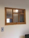 パッチワークガラスのFIX室内窓