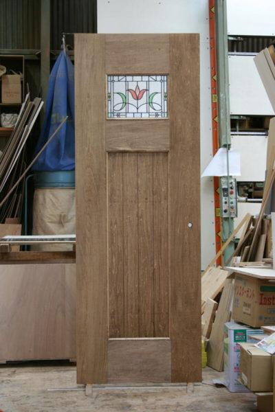 ステンドグラスシールのドア