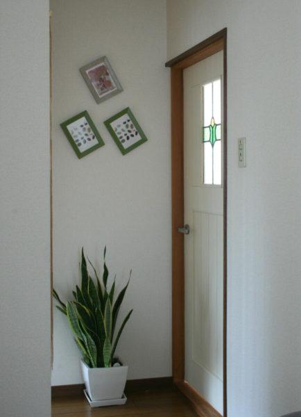 ステンドグラスドア