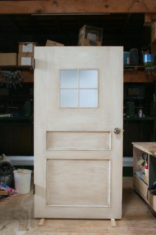 使い古しのドア(アンティーク仕上げ)